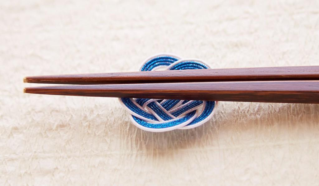 水引梅結び箸置き