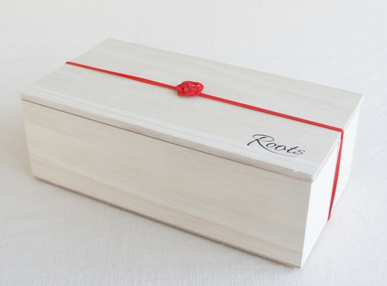 ケーアイさん|水引梅結びを使ったプレゼント用和風ラッピングを桐箱に
