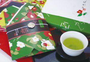 白金白の梅結びをお茶の商品パッケージに利用