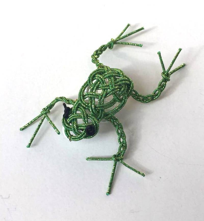 水引で作った蛙