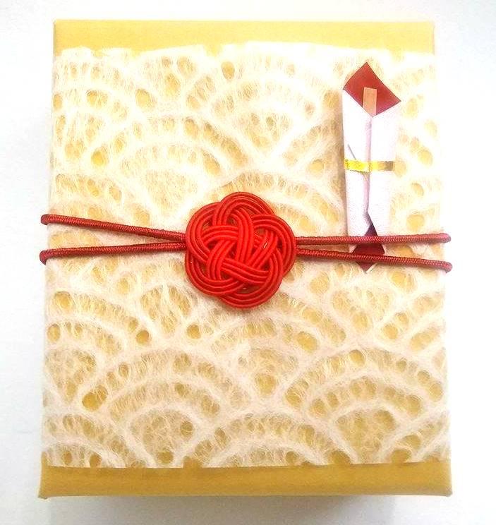 豆熨斗と和紙と水引梅結び